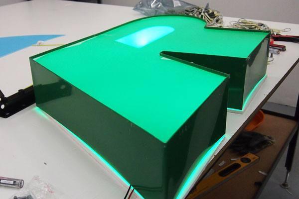 Litery przestrzenne podświetlane LED Warszawa producent