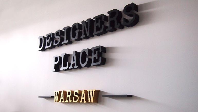 Designers Place - litery przestrzenne ze styroduru