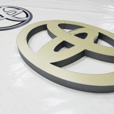 Logo przestrzenne ze styroduru
