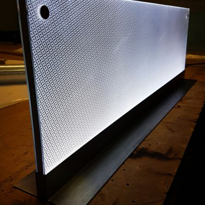 Dwustronny stand reklamowy podświetlany