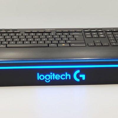 Ekspozytor podświetlany pod klawiaturę komputerową